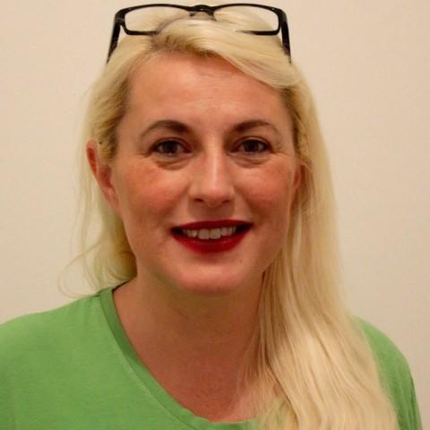 Frau Dr. Csevenák